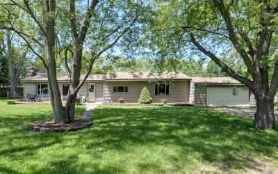 Pleasant Prairie Single Family Home For Sale: 10804 82nd St