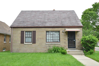 Milwaukee Single Family Home For Sale: 4073 N 46th St