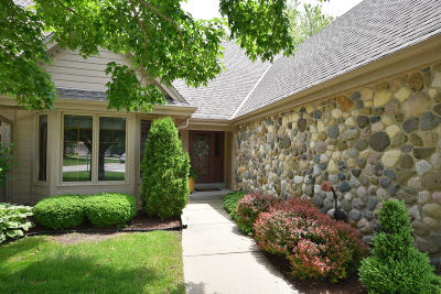 Brookfield WI Condo/Townhouse For Sale: $375,000