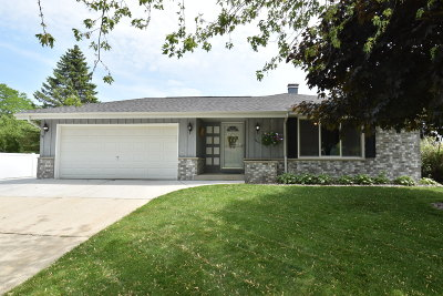 Ozaukee County Single Family Home For Sale: 1431 Cedar Dr