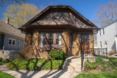 Milwaukee Single Family Home Active Contingent With Offer: 3423 S Illinois Ave