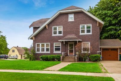 Kewaskum Single Family Home For Sale: 303 Forest Ave
