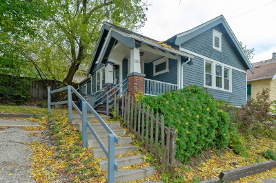 Milwaukee Single Family Home For Sale: 1812 E Thomas Ave