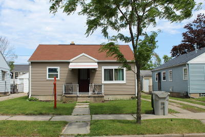 Milwaukee Single Family Home For Sale: 5172 N 42nd St