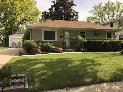 Milwaukee Single Family Home For Sale: 10525 W Rohr Ave