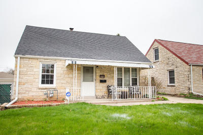 Milwaukee Single Family Home For Sale: 2632 S 69th St