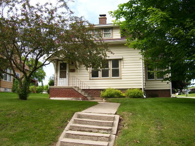 Sheboygan Falls Single Family Home Active Contingent With Offer: 306 Leavens Ave