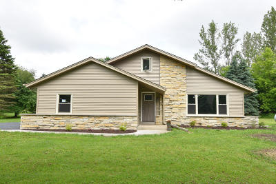 Richfield, Hubertus Single Family Home For Sale: N127w18880 Dandee Dr