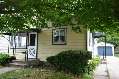 Racine Single Family Home Active Contingent With Offer: 217 Mertens Ave