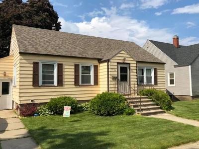 Menominee Single Family Home For Sale: 1904 15th Ave
