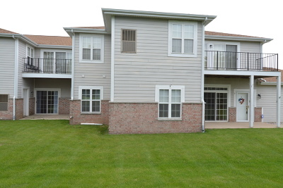 Pleasant Prairie WI Condo/Townhouse Active Contingent With Offer: $179,000