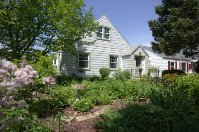 Milwaukee Single Family Home For Sale: 3535 S Lenox St