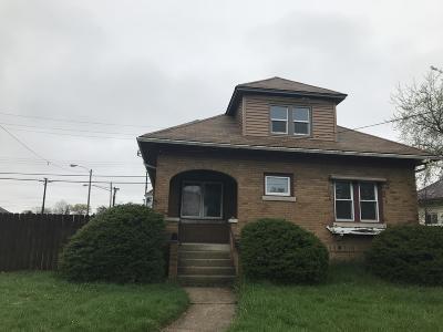 Kenosha Single Family Home For Sale: 4920 29th Ave