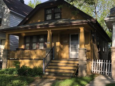 Milwaukee Single Family Home For Sale: 2019 S 26th St