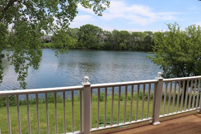 Ozaukee County Condo/Townhouse For Sale: 604 Laurel Lake Rd #4