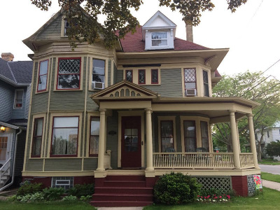 Racine Single Family Home For Sale: 1502 S Wisconsin Ave