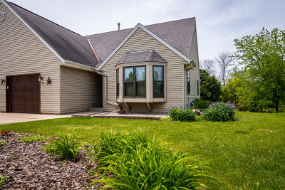 Ozaukee County Condo/Townhouse For Sale: 425 9th Ave
