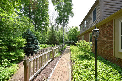 Grafton Single Family Home For Sale: 1525 Woodland Dr