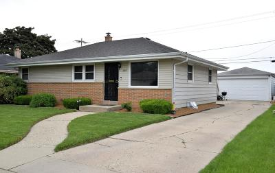 Milwaukee Single Family Home Active Contingent With Offer: 4190 N 77th St