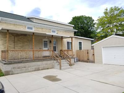 Watertown Single Family Home For Sale: 705 S 1st St