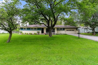 Milwaukee County Single Family Home For Sale: 9006 N Rexleigh Dr