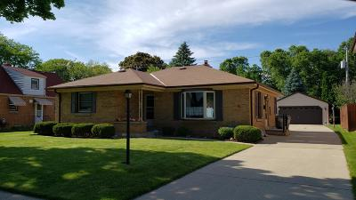 Milwaukee Single Family Home For Sale: 212 W Van Norman Ave