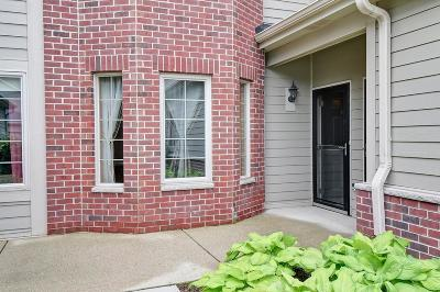 Waukesha County Condo/Townhouse For Sale: 4844 S Forest Ridge Dr