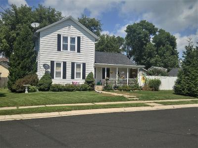 Watertown Single Family Home For Sale: 716 W Green St