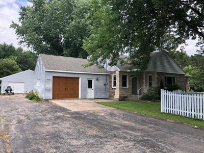 Single Family Home For Sale: W1988 Hwy 64