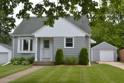West Allis Single Family Home Active Contingent With Offer: 2862 S Conger Pl