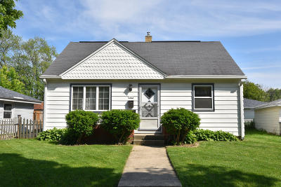 Milwaukee County Single Family Home For Sale: 7401 W Thurston Ave