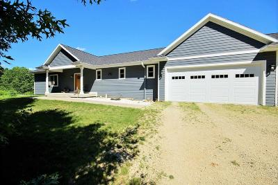 Galesville Single Family Home For Sale: W19008 Sawmill Rd