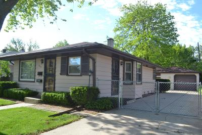 Racine Single Family Home For Sale: 4611 Wright Ave