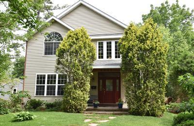 Lake Geneva Single Family Home For Sale: 1225 Pleasant St