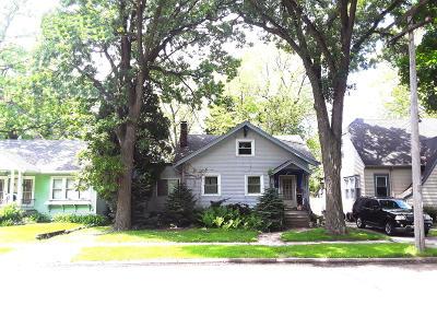 Kenosha Single Family Home For Sale: 6720 20th Ave