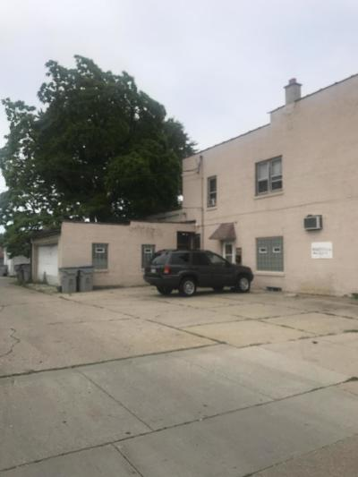 Milwaukee Commercial For Sale: 958-960 W Oklahoma Ave