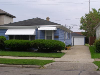 Racine Single Family Home For Sale: 2205 Blake Ave