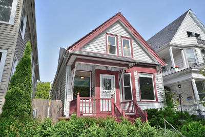 Milwaukee Single Family Home For Sale: 2733 N Booth St