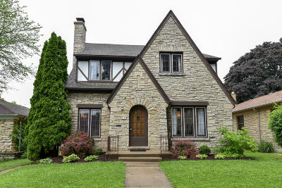Milwaukee WI Single Family Home For Sale: $259,900