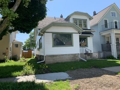 West Allis Single Family Home For Sale: 1016 S 75th St