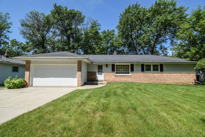 Wauwatosa Single Family Home Active Contingent With Offer: 4511 N 100th St