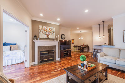 Milwaukee Condo/Townhouse For Sale: 1300 N Prospect Ave #305