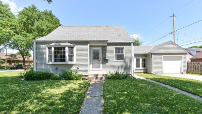 Wauwatosa Single Family Home For Sale: 7422 W Clarke St