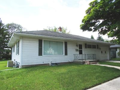 Sheboygan Single Family Home Active Contingent With Offer: 603 Whitcomb Ave