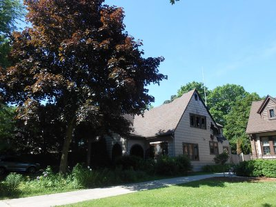 Whitefish Bay Single Family Home For Sale: 4753 N Newhall St