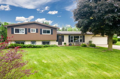 Brookfield Single Family Home For Sale: 12745 Wembley Rd