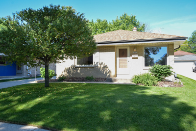 West Allis Single Family Home Active Contingent With Offer: 2637 S 93rd St