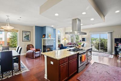Brookfield Condo/Townhouse Active Contingent With Offer: 17490 Crest Hill Dr #18