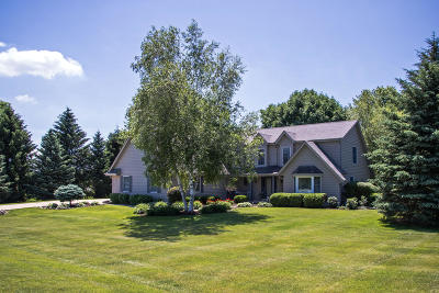 Mukwonago Single Family Home Active Contingent With Offer: S85w32051 Jericho Rd