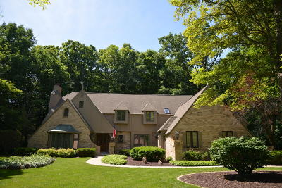 New Berlin Single Family Home Active Contingent With Offer: 14385 W Park Ave